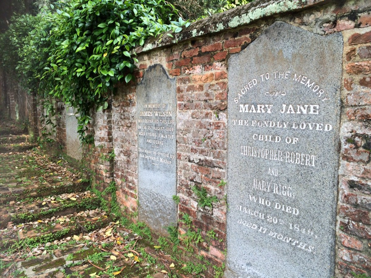 Where did the cemetery at Singapore's Fort Canning Park go?